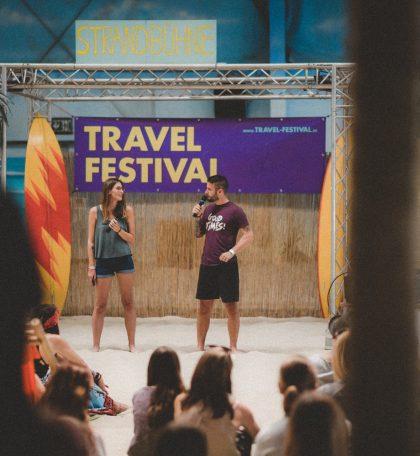 Sara & Marco vom Reiseblog Love & Compass auf der Strandbühne beim ersten Travel Festival in Witten
