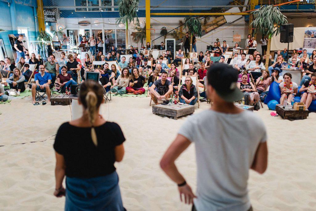 Vortrag von Komm wir machen das einfach über ihre Weltreise beim 2. Travel Festival in Witten