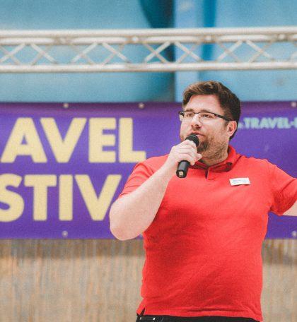 Jens Krömer von Urlaubsguru.de über das Reisen mit wenig Geld um die Welt auf dem ersten Travel Festival