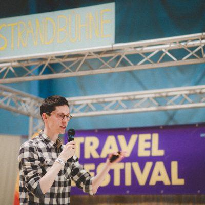 Stephan Winkler über das Leben als digitaler Nomade auf der Strandbühne beim ersten Travel Festival in Witten